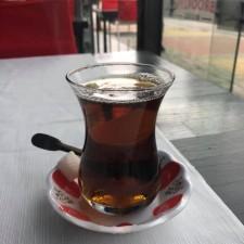 Чай в кафе пить невозможно